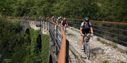 d18d92c4a51d Kerékpárral a Millenniumi vasút nyomán, a Júlia-Alpok árnyékában