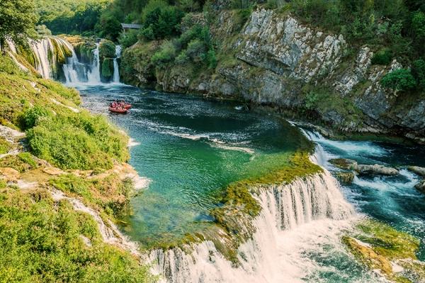 bosnia-kalandtura-8CDF92188-7A35-18D3-6C7F-4A11EBABD691.jpg