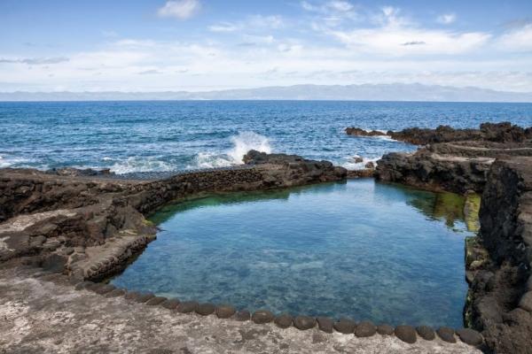 kalandnyaralas-tura-azori-szigetek-2-faial-flores-pico-328D7ECD12-C55F-43E3-094C-2B4BAAE6B069.jpg