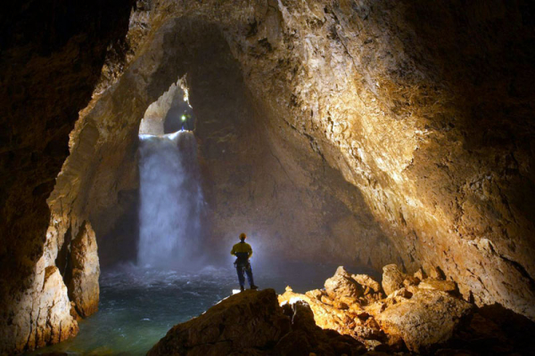barlangaszat-4F14223AA-2E82-E448-9F11-BED40D2FECC6.jpg