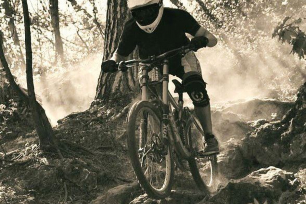makase-racing-team-downhill-dirt-918636EB9A-FAD1-671C-E7A8-A9C9DADDD1B5.jpg