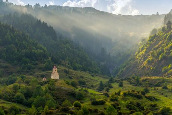 gruzia-kaukazus-tura-trekking-1771AB3E95-64EF-96DE-82D4-DC92D19B5BEB.jpg