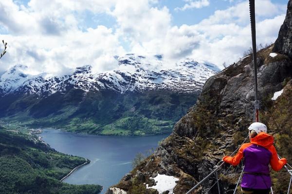 norvegia-via-ferrata-kalandtura-17F4210067-E44E-D74A-7668-3EEAC075BADA.jpg