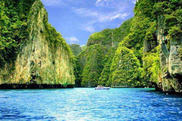thaifold-tengeri-kajak-kalandtura-7354B2708-E21F-F379-6653-3B3B75821339.jpg